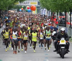 Startschuss zum Hannover-Marathon 2011. Foto: zur Nieden