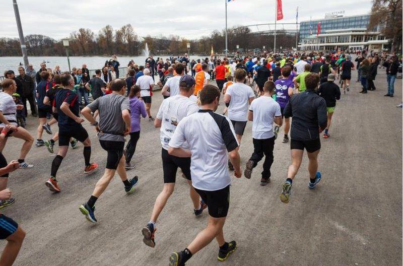 Start zum Maschsee-Rekordlauf. Foto: von Ditfurth