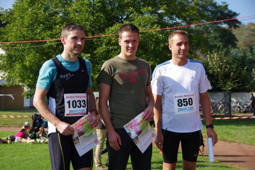 Die Schnellsten beim Halbmarathon in Benthe: René Jäger (M.), Peer Röhner (l.) und Thomas Blume: Foto: Stephan Fabig