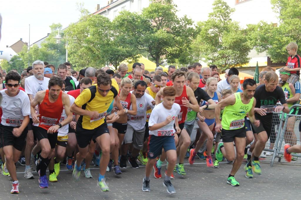 Der Startschuss für den Vier-Kilometer-Lauf. Foto: Bismark
