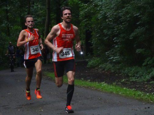 Christian Wiese (vorne) und Christian Schlamelcher (beide Hannover Athletics). Foto: Fettback