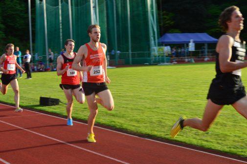 Alexander Bley beim 1500-Meter-Rennen in Osterode, wo er 3:53,29 Minuten lief.