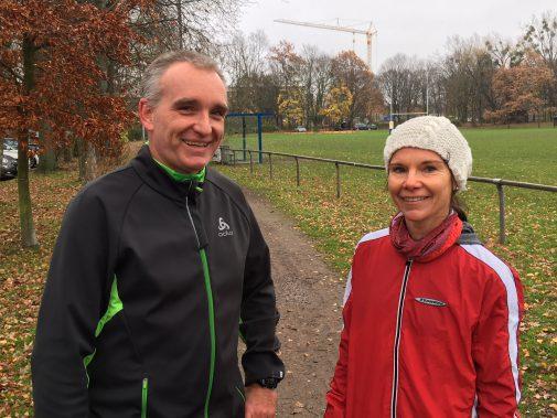 Es läuft: Jens Heimann profitiert auch von den Tipps von Gruppenleiterin Silke Pingpank. Foto: Fettback